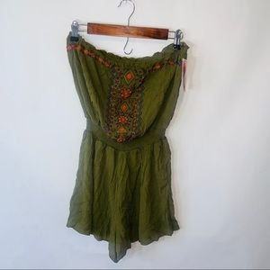 NWT xhileration  embroidered strapless romper